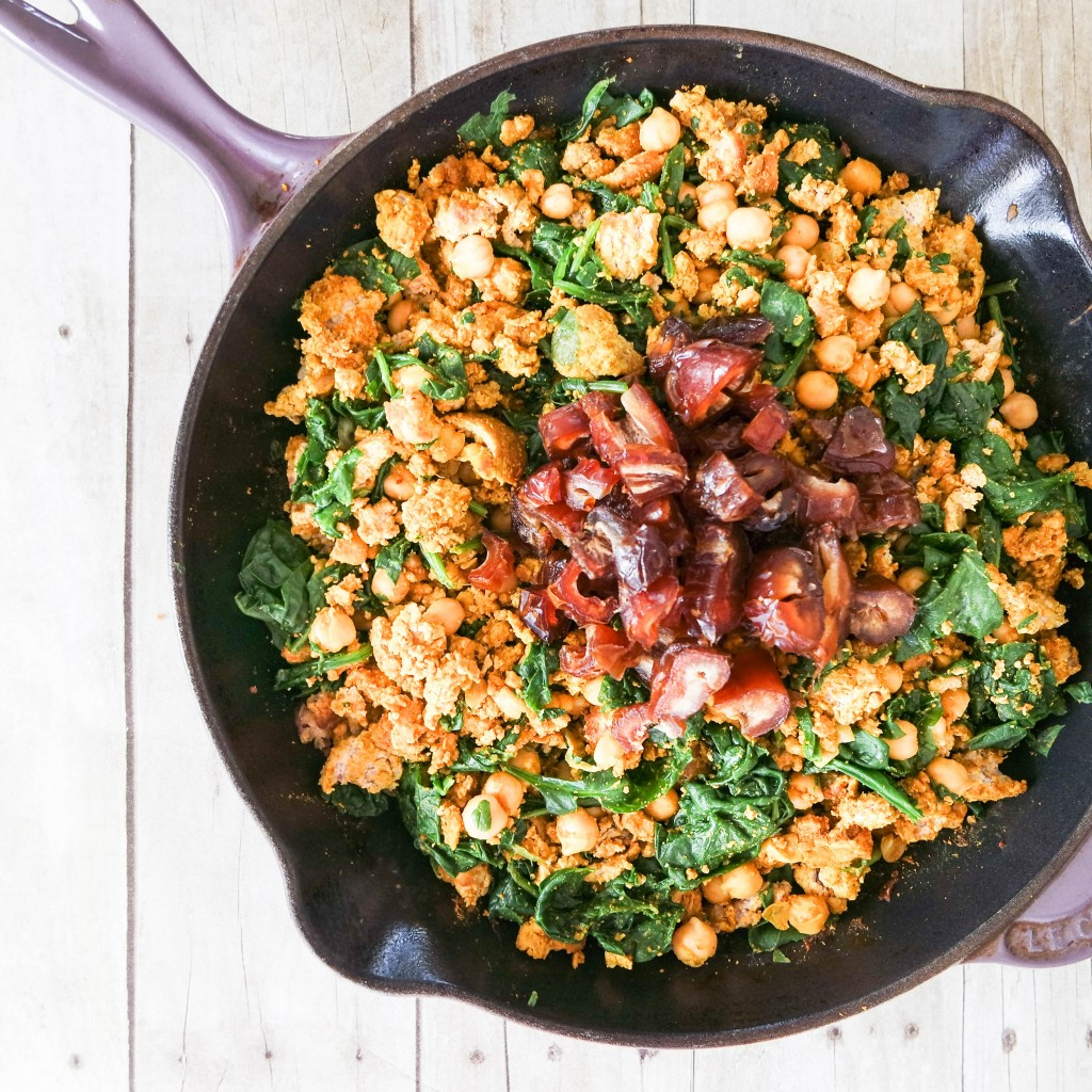 Skillet Ground Turkey Curry with Spinach, Garbanzo Beans and Dates. The perfect weeknight meal, ready in 15 minutes.