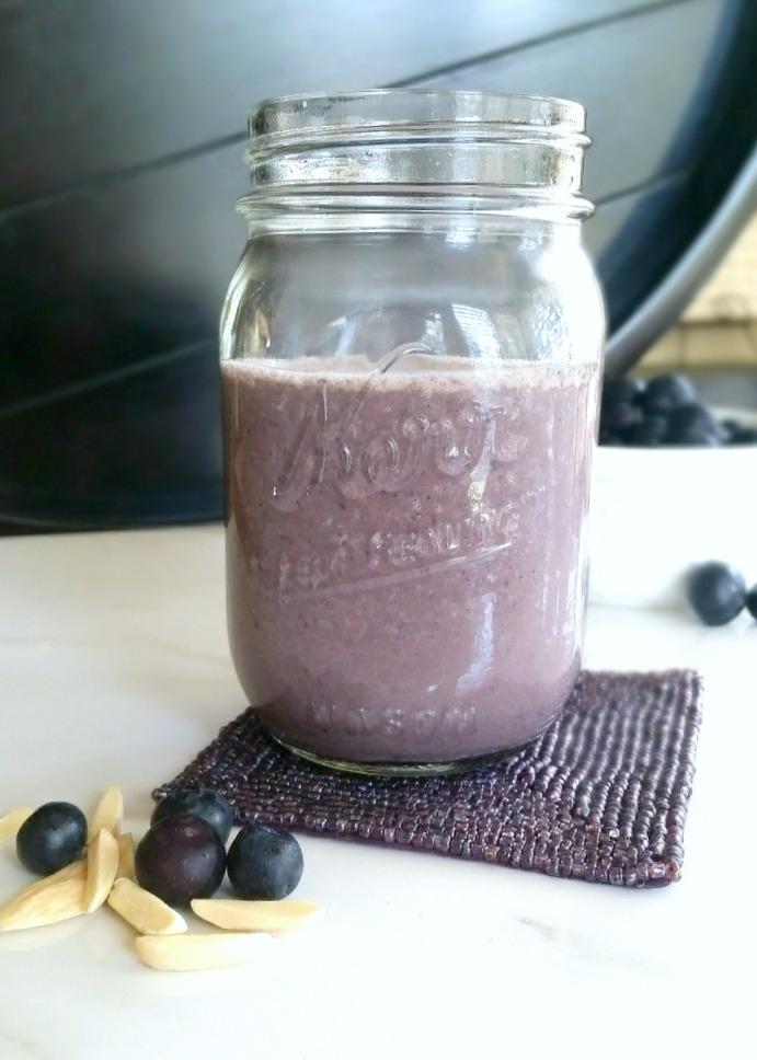 blueberry almond smoothie